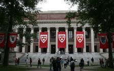 晚一年入学更可能读哈佛!