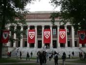 哈佛女生为校报撰文 披露遭强奸经历