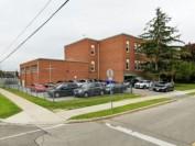 多伦多天主教学校St. Charles Catholic School教师不戴防护装备被发告票