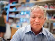 加拿大阿尔伯塔大学病毒学家荣获诺贝尔奖!