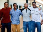 美国四胞胎兄弟被哈佛耶鲁等多所名校录取