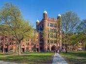 美国司法部起诉耶鲁大学,为亚裔和白人学生讨回公道