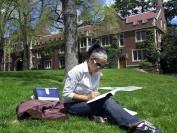 新生争夺战:美国大学两阵营竞相压低学费