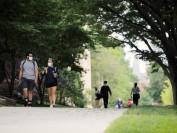 美国康奈尔大学以不懈努力保持线下校园开放