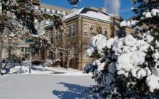 加拿大大学申请截止时间是什么时候?
