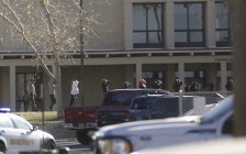 美国新墨西哥州高中惊爆枪击案 至少3名学生丧命