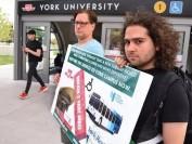 约克大学取消校内YRT公交车 引学生们抗议
