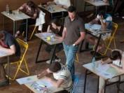 调查:留学生找人代课成产业,有人在毕业典礼时才初次见面