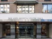 纽约大学医学院女生宿舍内自缢身亡 现场留有遗书