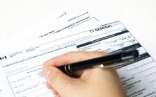 国内12万要算高收入?加拿大人挣12万交多少税?
