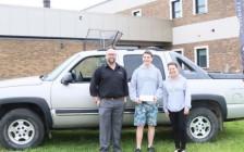加拿大出勤好的高中生奖励一部车!能不积极?