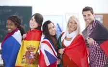 中国留学生移民加拿大的成本:每年约6万