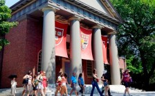 哈佛大学招生歧视亚裔违反法律 被学生组织上告美国最高法院