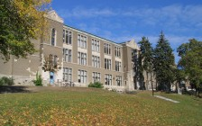 加拿大哪些大学可以1月份申请入学?