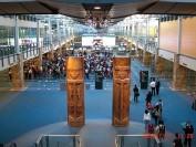 温哥华国际机场圣诞季超繁忙 随身行李有新规
