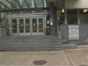 为防自杀再次发生 多伦多大学电脑科学楼加装护栏