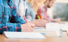 新冠病毒流行期间 加拿大出台政策帮助留学生