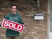 16岁安省伦敦少年坐拥2套独立屋  直呼赚钱太容易
