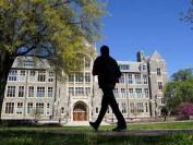 美国留学生签证数量暴跌72% 国际新生骤降18%