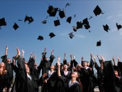 新入境限制令来加拿大的国际学生减少30%