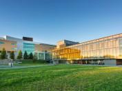 魁北克大学无限期推迟针对学生法律行动