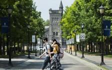 多伦多大学:新冠疫情紧急经济补助及酒店隔离补助