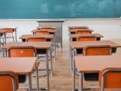 加拿大教师骚扰多名学生遭停职!5年级孩子也不放过!