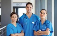 加拿大医生护士行业有10万职位空缺 大多数移民资历过高!