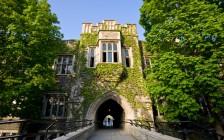 加拿大各大学积极准备学生九月开学重返校园!
