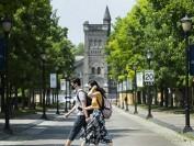 多伦多大学等一批加拿大大学宣布更严返校新规 教授学生抵制
