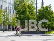 加拿大UBC大学教授因学校疫苗政策拒现场上课  只肯网上教学