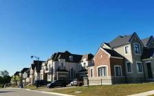 温哥华楼市依然很活跃 独立屋平均价180万加币