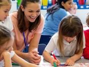 加拿大的小学老师给家长布置的作业,让我感触颇深……