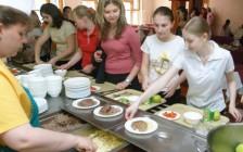 加拿大将设学校午餐计划!家长们终于要解脱了
