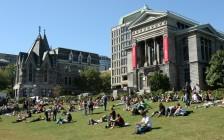 加拿大大学与学院College的比较