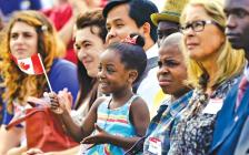 加拿大政府宣布2021-2023年每年收40万新移民  史上最多!