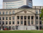 泰晤士2021大学排名公布–渥太华大学稳居世界前150名