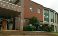 加拿大6名高中男生晒20名女同学裸照 法院或只判缓刑