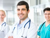 打破各省限制 加拿大医生呼吁推行全国行医执照