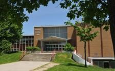 安省滑铁卢天主教教育局和下属天主教公立高中