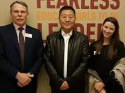 徐卫亚参赞访问加拿大多伦多斯特罗恩私立女校BSS