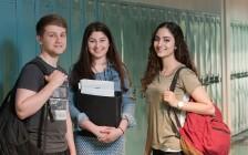 两个中国留学生在加拿大学习生活的故事