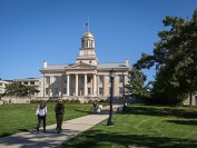 留美中国学生考试作弊 被爱荷华大学开除