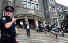 多伦多公立教育局TDSB投票决定取消配枪警察校园巡逻项目