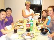 中国留学生在加拿大多伦多寄宿家庭的生活要有规矩,但不冷漠