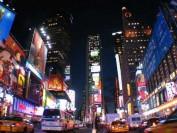 美国纽约华人重金买学区房 因学额不足子女面临无校可进