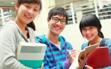累趴:美国华裔学生的24小时