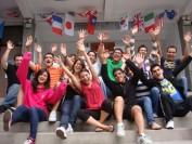 在加拿大的中国留学生突破11万!