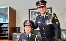 凭一篇作文 加拿大安省约克区10岁华裔学生任约克总警长一天