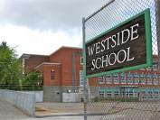 温哥华这所深受欢迎的私立学校面临财政危机和多项诉讼